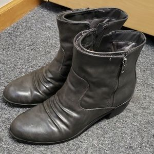 🌞 Gently used Women's ankle boots size 9.5
